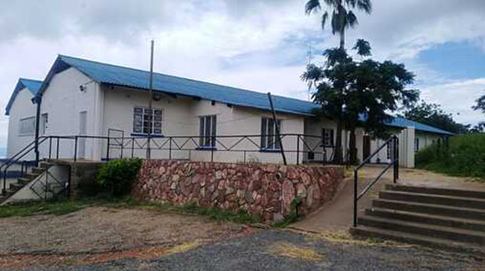 JUST IN: Kariba residents, Govt mobilise for Covid19 isolation centre