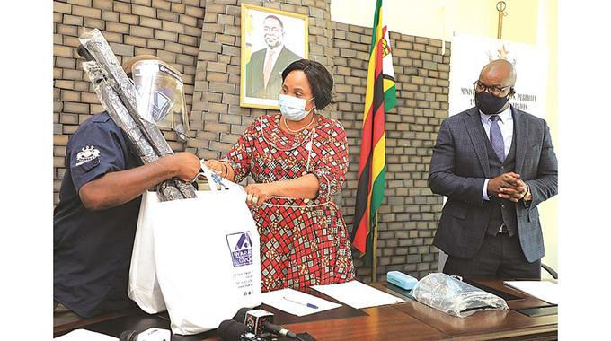 Nyaradzo donates to journalists