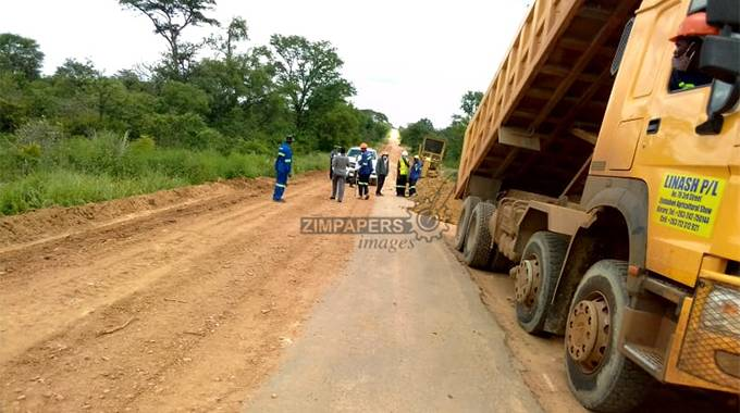 JUST IN: DDF rehabilitates Kwekwe-Mvuma Road