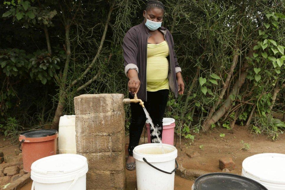 Zimbabwe. Improving condition in in Tongogara refugee camp