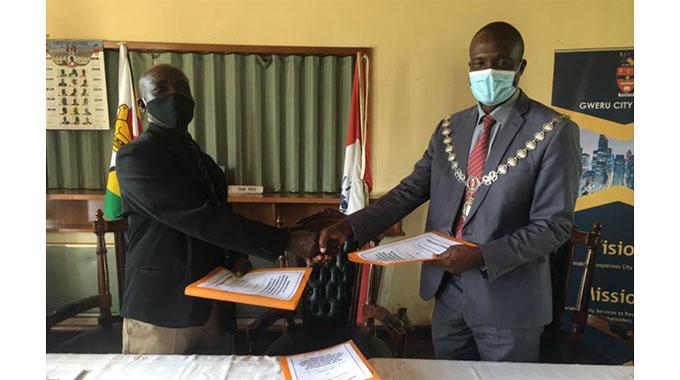 Gweru city, Vungu RDC sign Mou