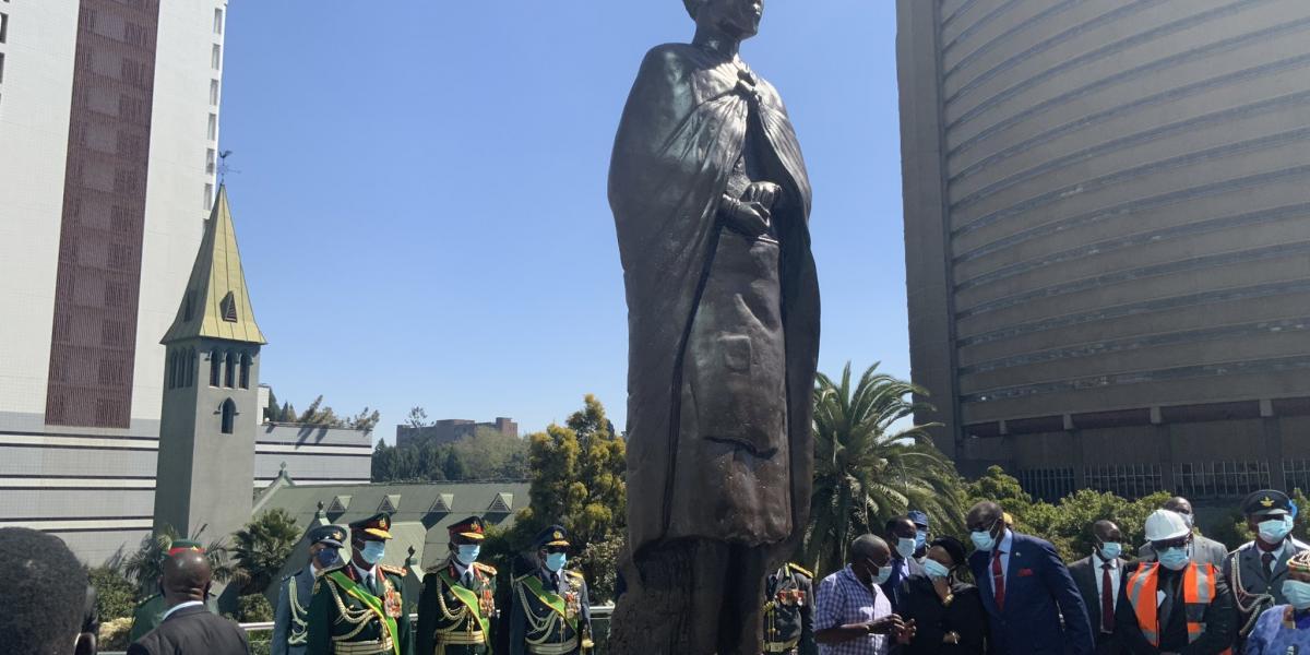 Mbuya Nehanda statue