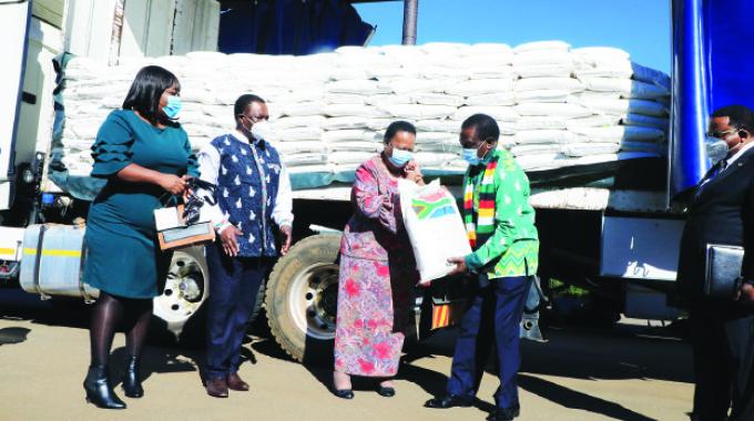 President pledges to boost Zim, SA ties