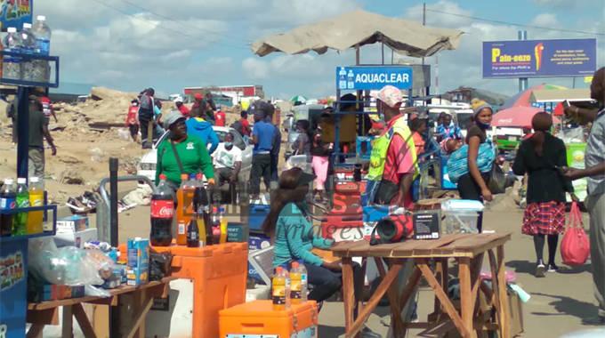 Vendors defy eviction as Govt appeals court order