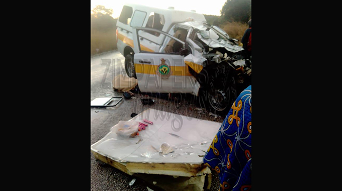 Driver, nurse, patients die in ambulance accident
