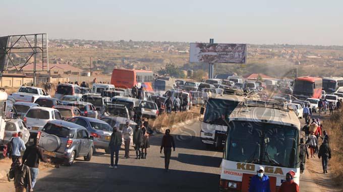 Long queues at Seke Road roadblocks