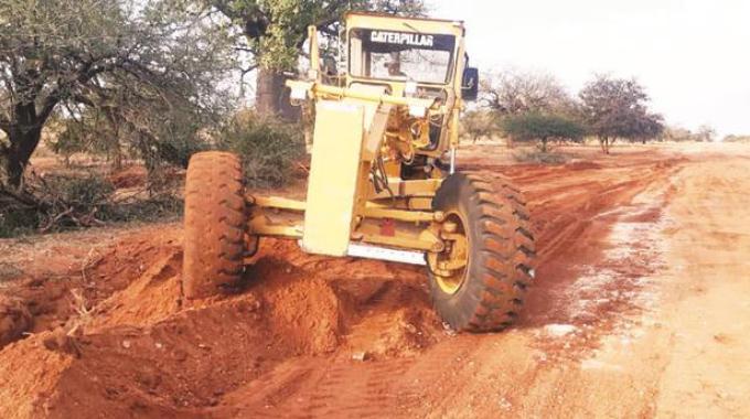 Lutumba-Tshikwalakwala road rehab creates jobs