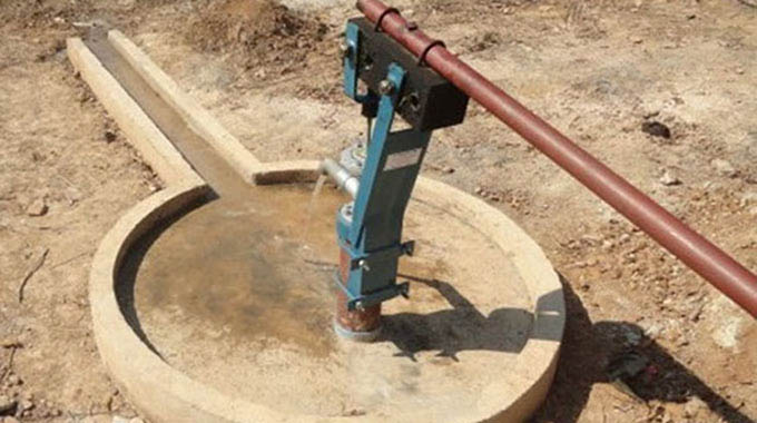 Mhangura community moves to end water woes