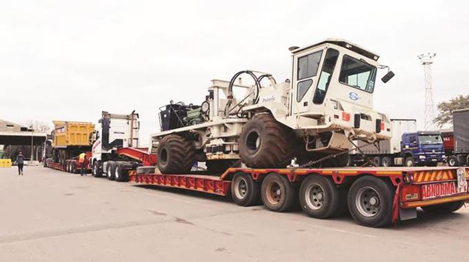 Muzarabani oil, gas field equipment arrives at border