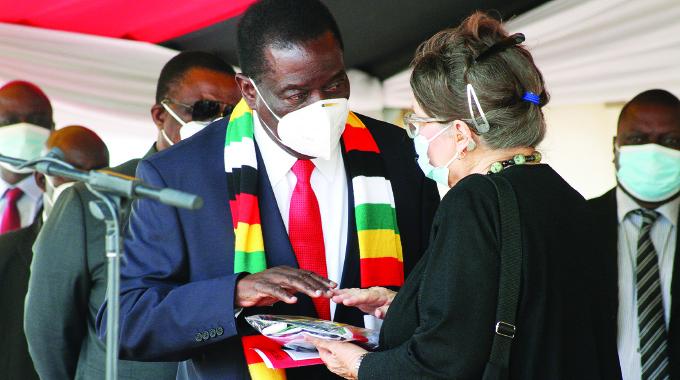 President urges mindset change in civil service
