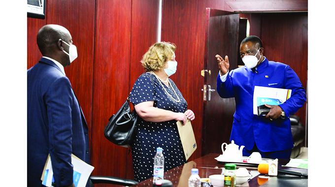 UN praises Zim's HIV roadmap