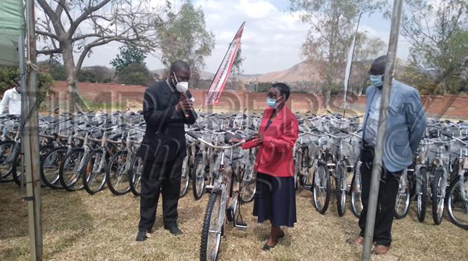 Community volunteers get bicycles from NAC