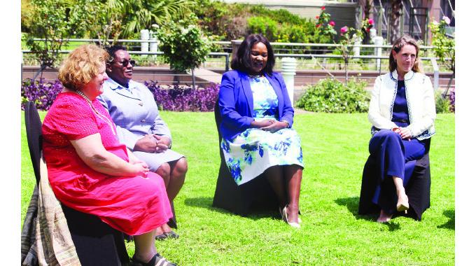 UK backs Zimbabwe's anti-graft fight