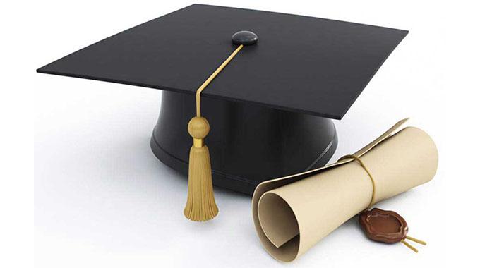 President caps 385 HIT graduates